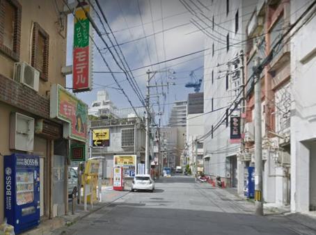 沖縄前島のピンサロ街